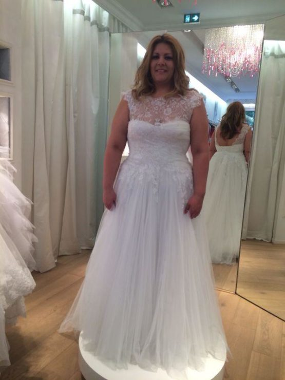 cap sleeve plus size wedding dresses