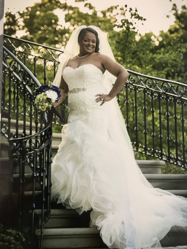 plus size fit-and-flare wedding gown sith strapless neckline ...