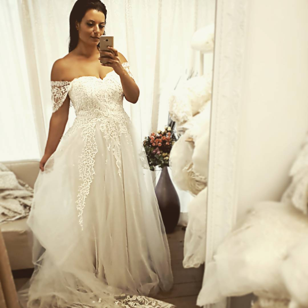 Bridal Blogger Wedding Dress Shopping For Plus Size: Plus Size Off The Shoulder Bridal Dresses With